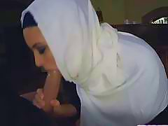 Horny hot chick Arab loves to suck meaty dick