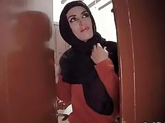 Arab girlfriend roughly gets big dick in cunt